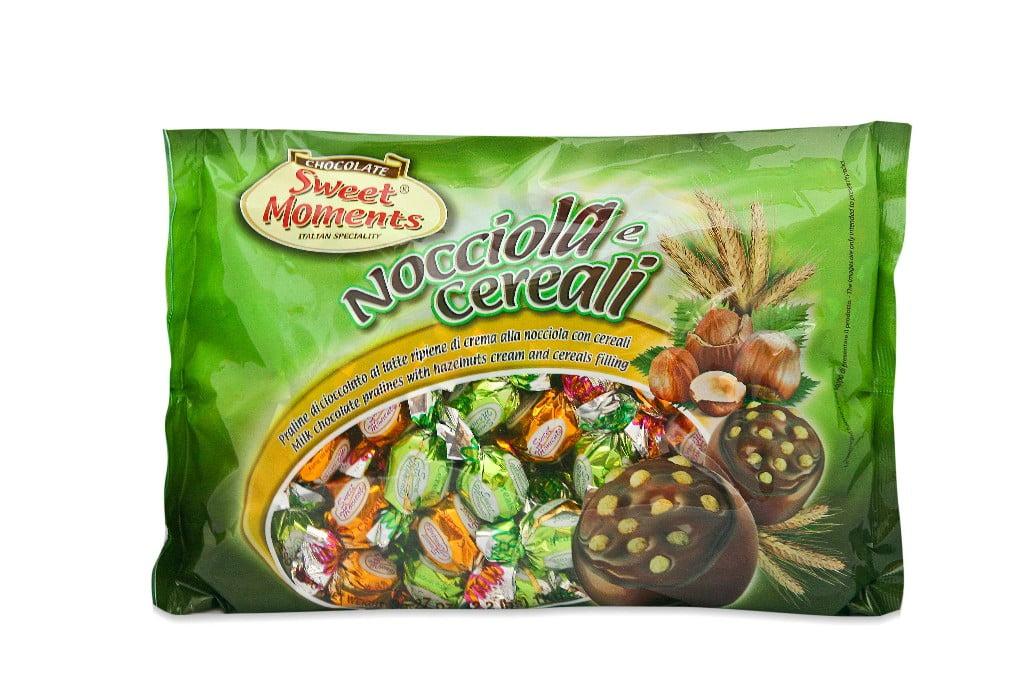 LAICA SWEET MOMENTS MILK CHOCOLATE WITH HAZELNUT CREAM